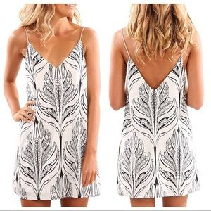 Dresses & Skirts - V neck halter printed strap mini dress